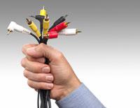 Pojedynczy kabel HDMI może zastąpić plątaninę kilku przewodów jakich do niedawna używaliśmy przy połączeniach sprzętu audio-wideo.