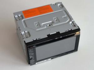 Korpus stacji multimedialnej Pioneer AVH-X3500DAB tuż po rozpakowaniu. Producent dołącza różne akcesoria, których nie widać na zdjęciu.