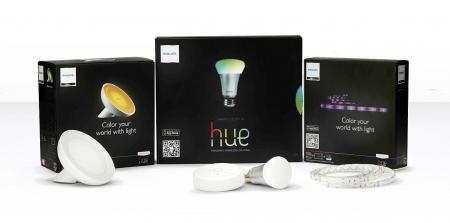 Philips jako jeden z pierwszych wielkich producentów wprowadził na rynek inteligentnych żarówek LED. Obecnie są w ofercie także listwy świetlne i lampa stołowa.