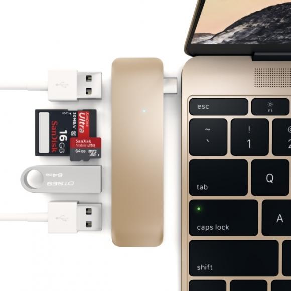 Zwiększa funkcjonalność MacBooka – Satechi Type-C USB Hub zapewnia trzy porty USB 3.0, a także czytniki kart SD i microSD.